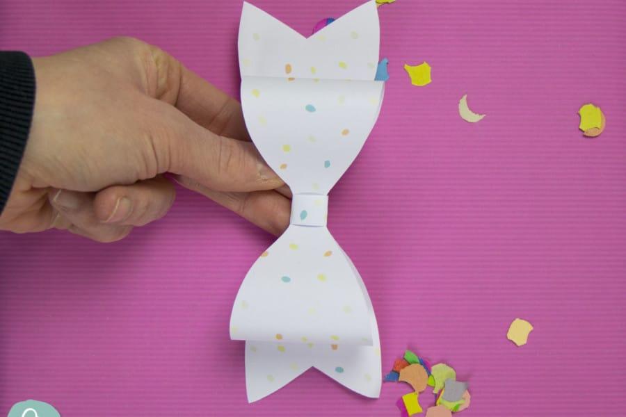 Papierschleife basteln