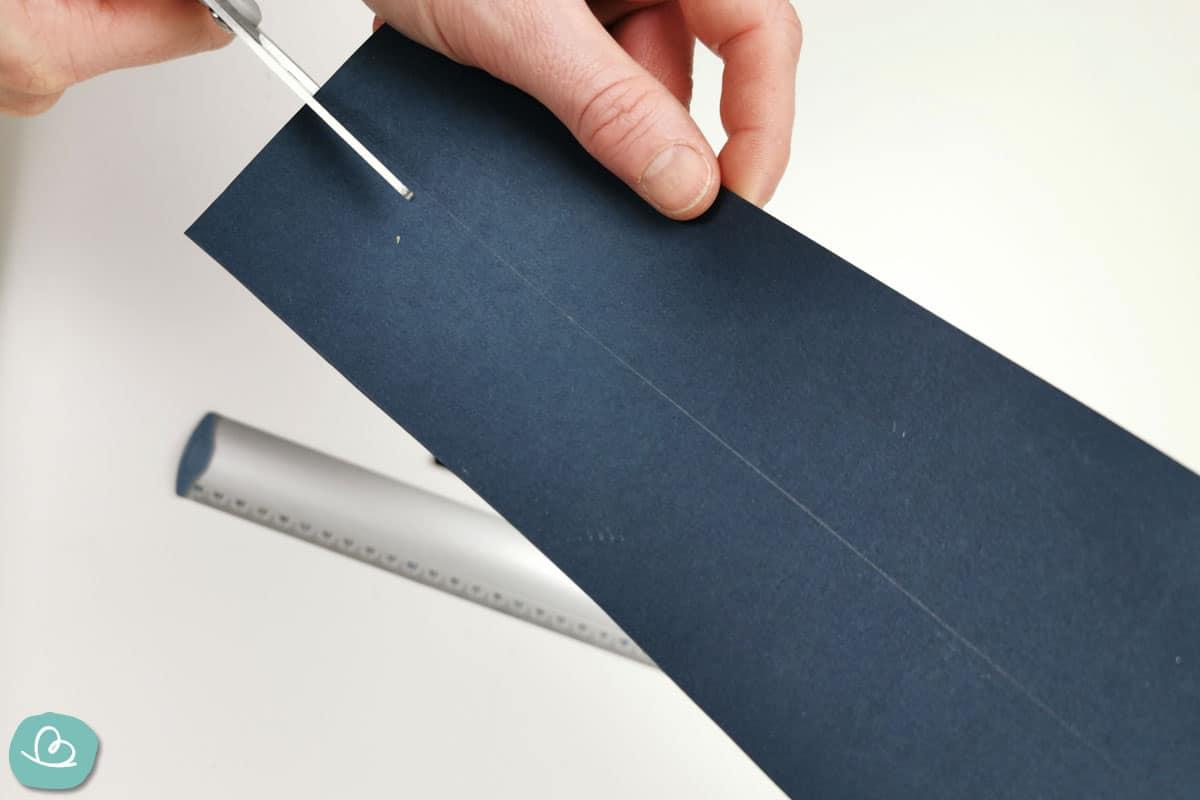 Papierstreifen ausschneiden