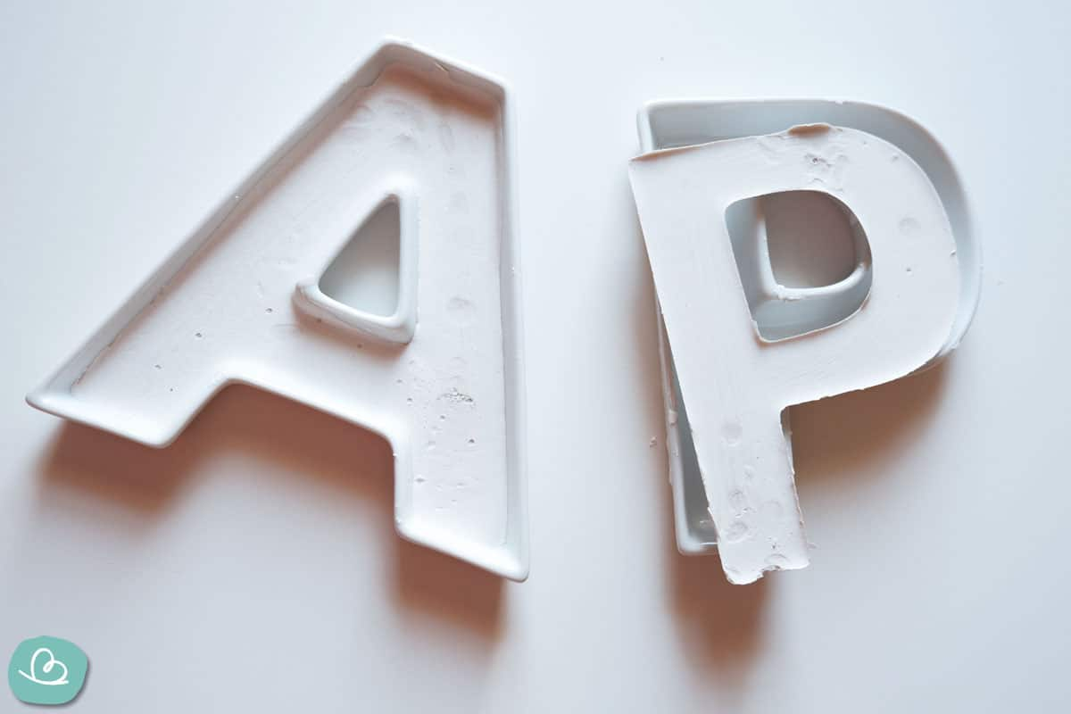 Buchstaben aus Gips