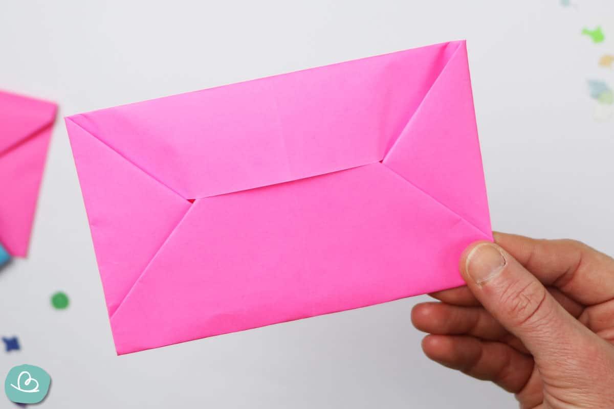 gefalteter Umschlag