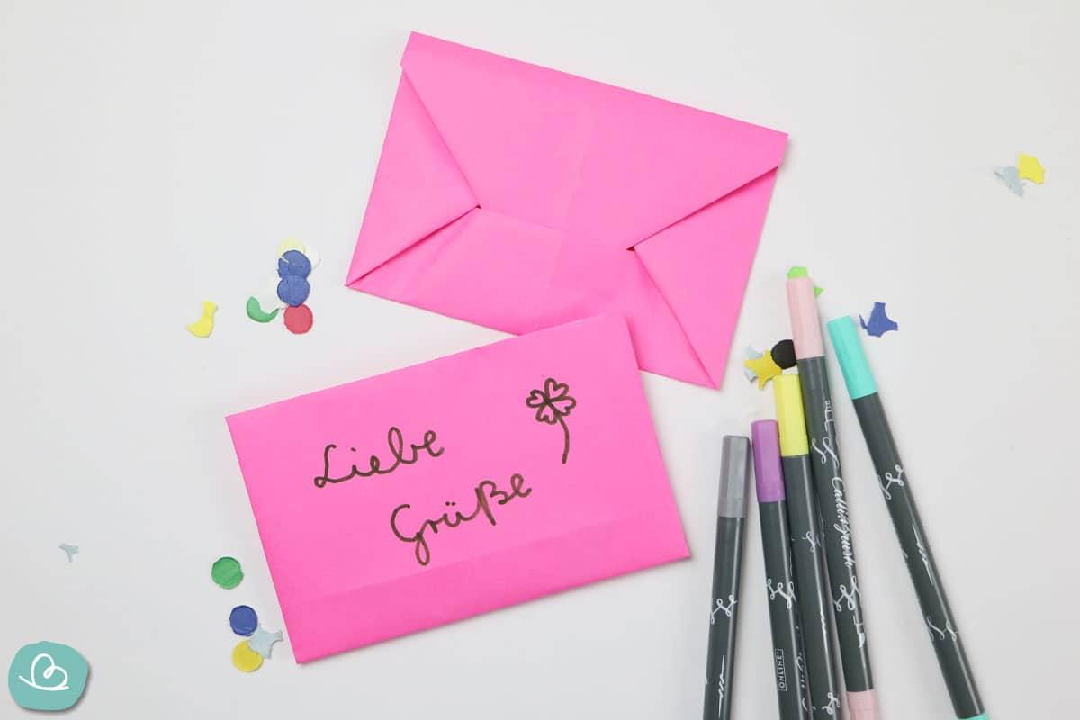 kleiner Briefumschlag gefaltet