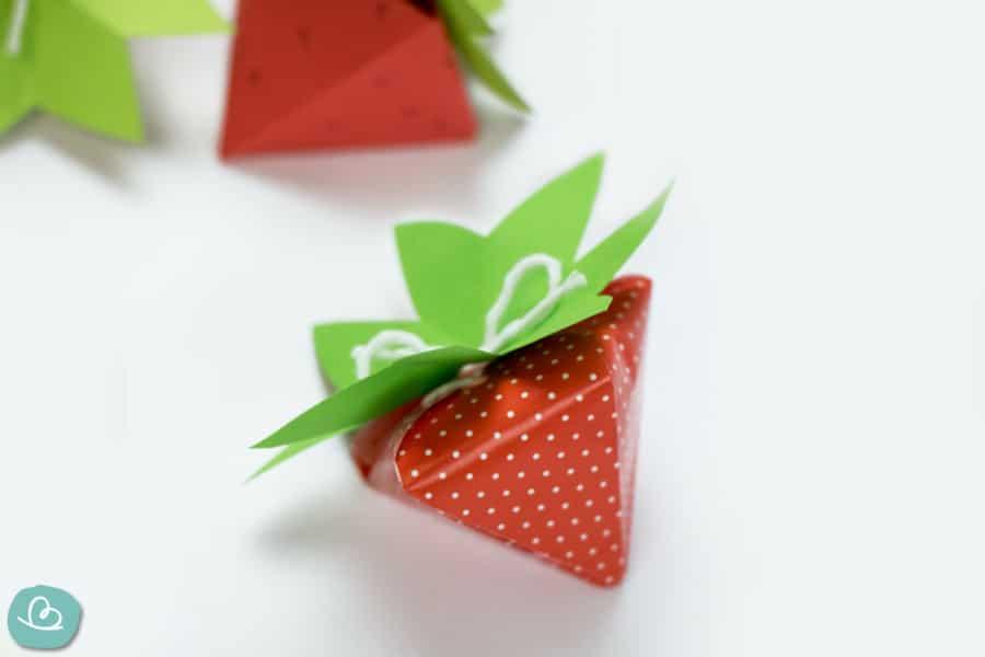 Erdbeere aus Papier falten PDF Anleitung