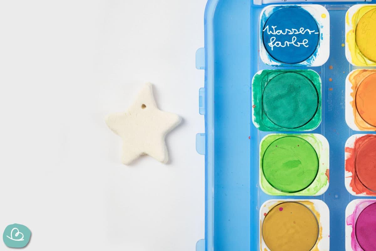 Farbkasten und Salzteig