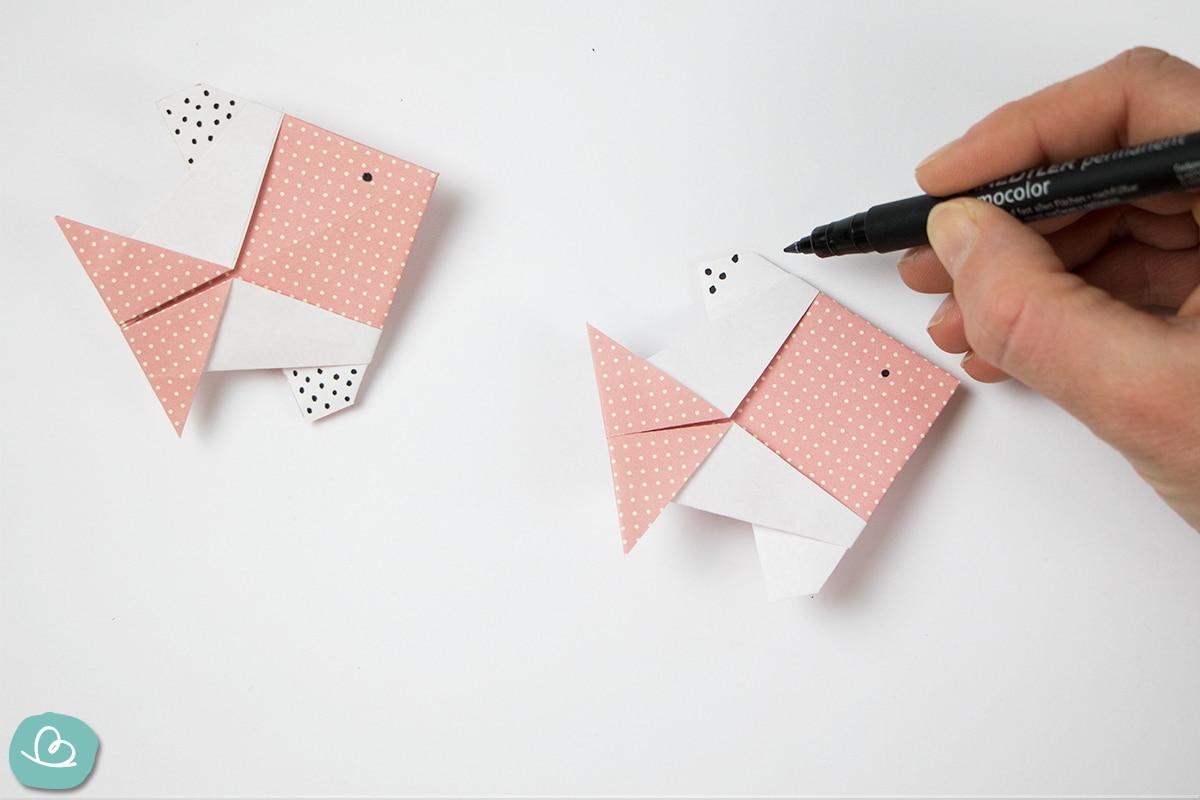 Papierfisch anmalen