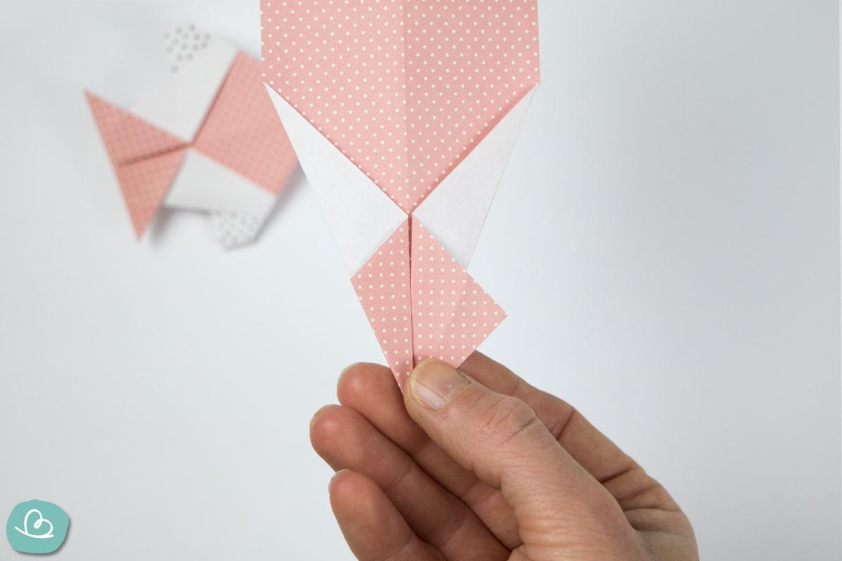 Papierspitze aufklappen