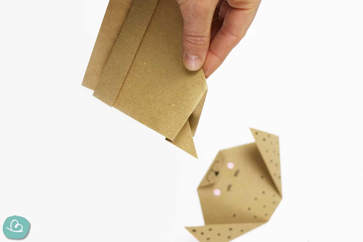 Hinterteil falten aus Papier