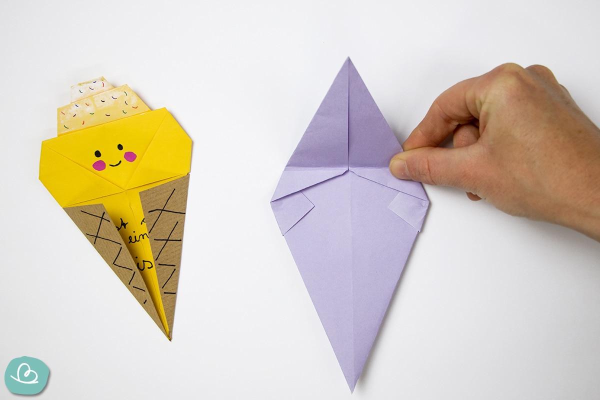 Papier falten mit der Hand