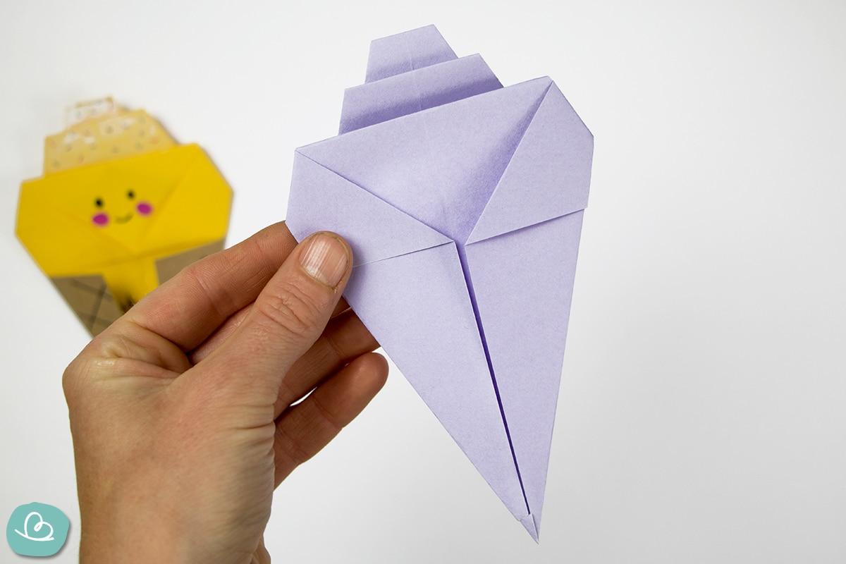 Eistüte basteln aus Papier