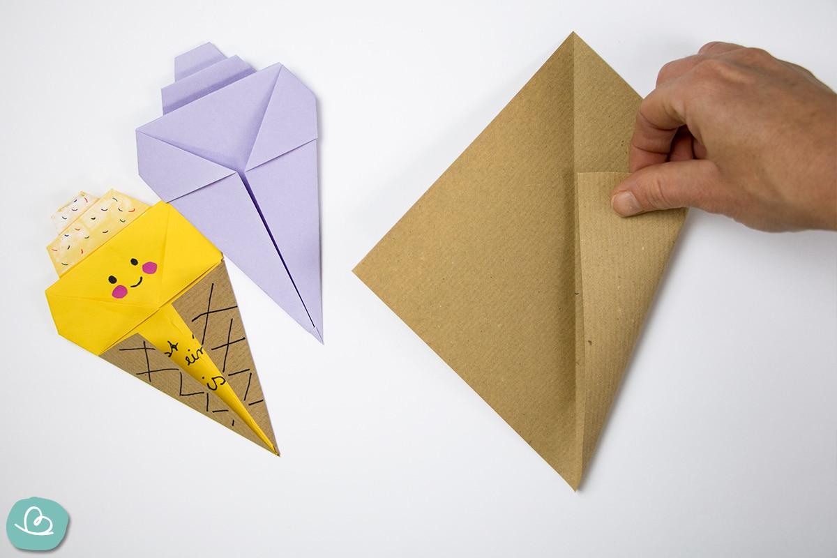Papier falten zu Mitte
