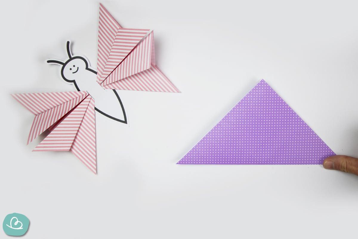 gefaltetes Dreieck aus Origamipapier