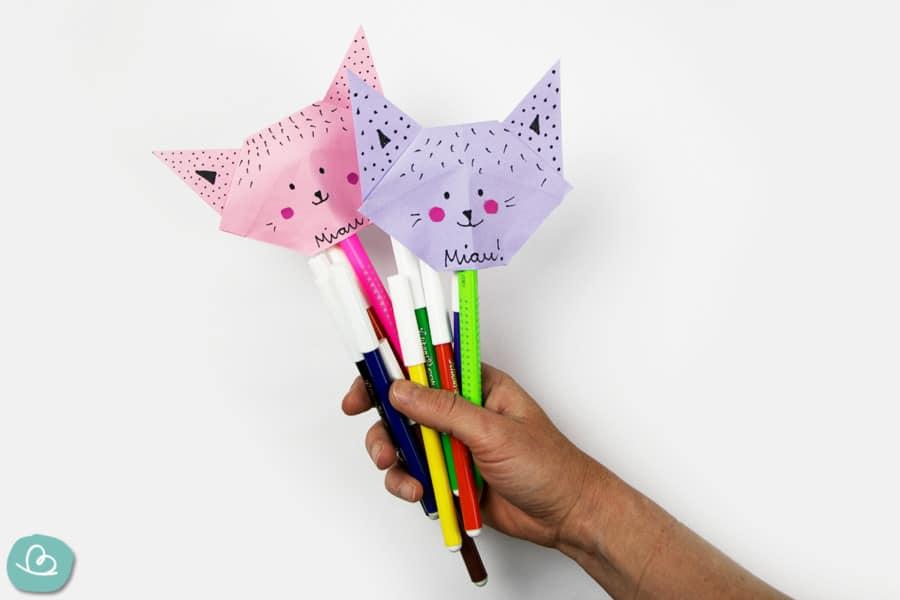 Stiftehalter aus Papier als Katze