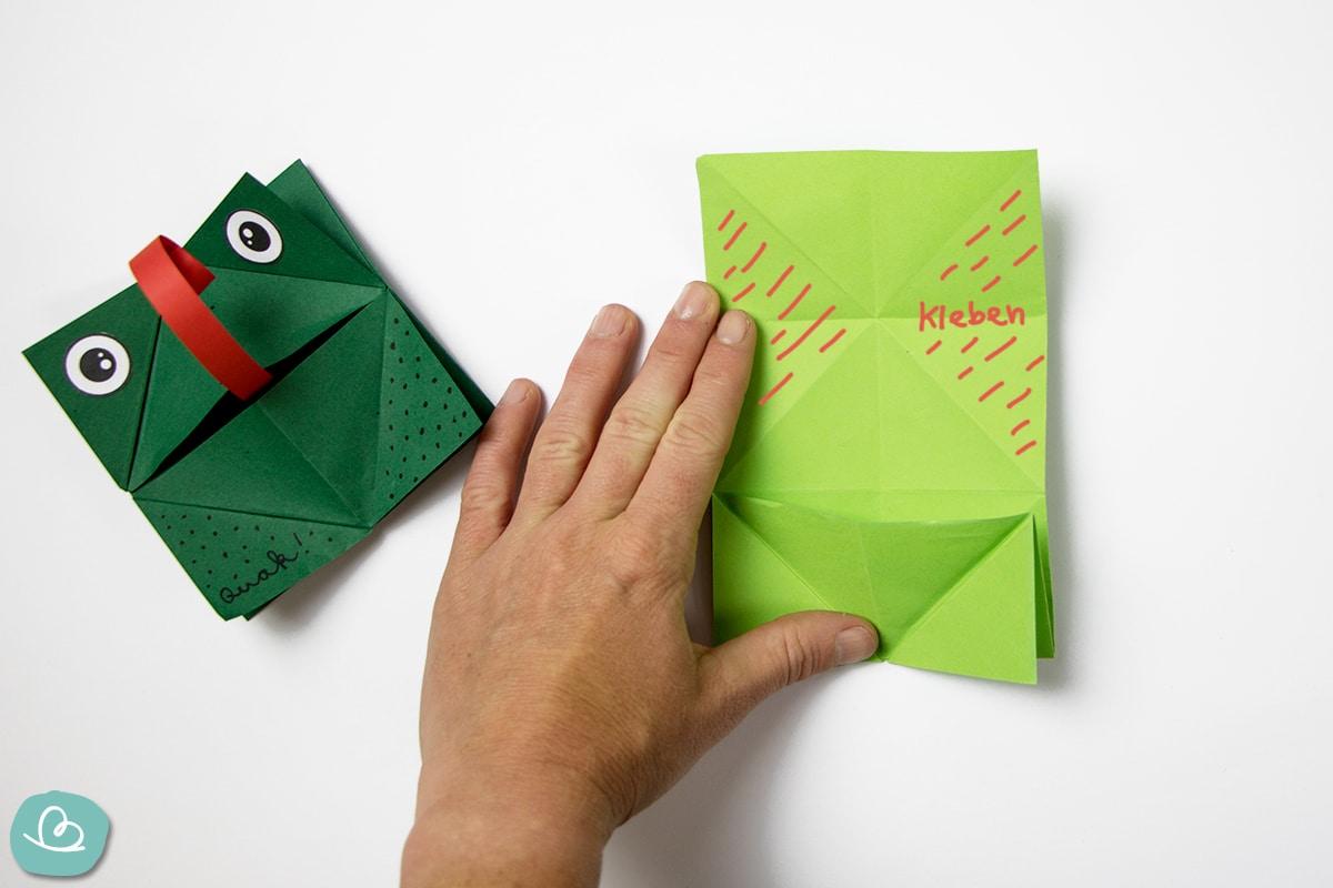 Klebefläche auf grünen Papier