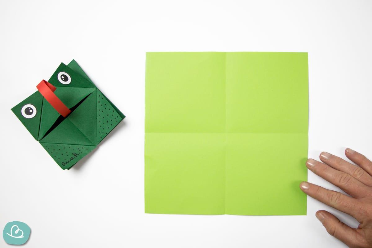 Mittelfaltung im Origamipapier
