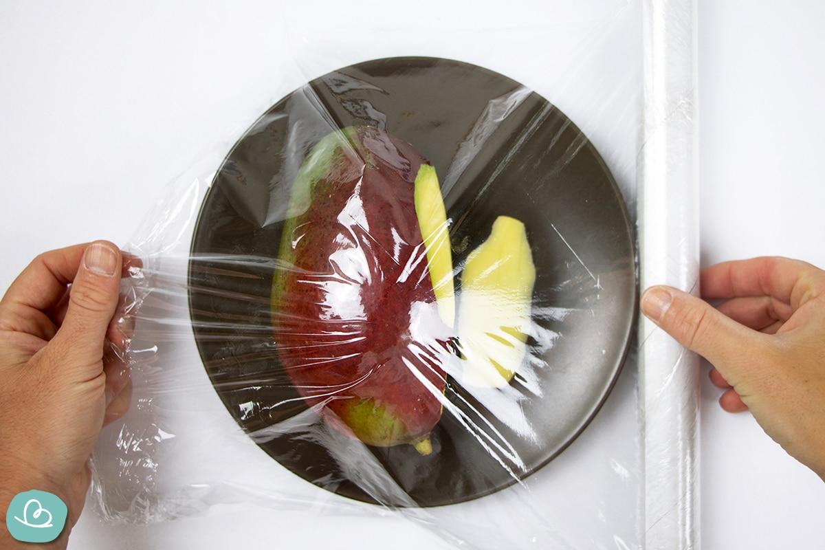 Mango mit Folie abdecken