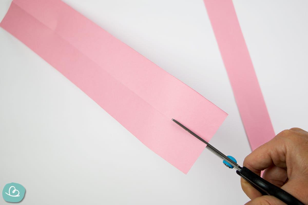 Papier auseinander schneiden