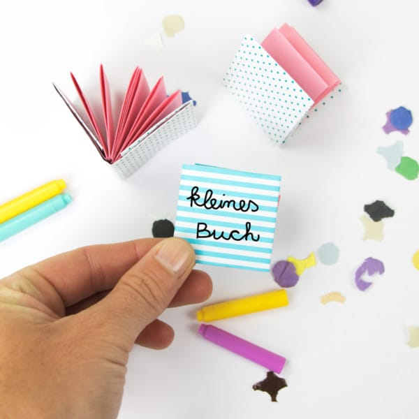 kleines Buch basteln aus Papier | Anleitung zum Falten