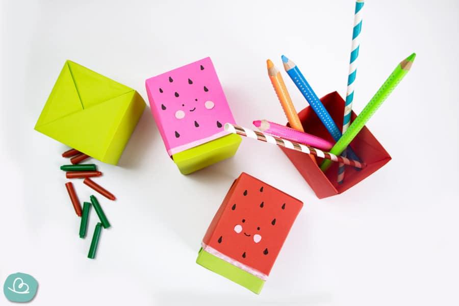 Schachtel falten: süße Box basteln aus Papier