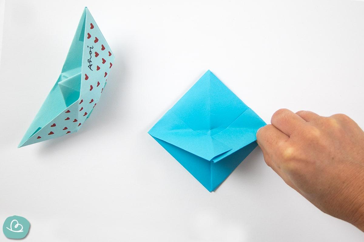 Papierspitze nach oben falten