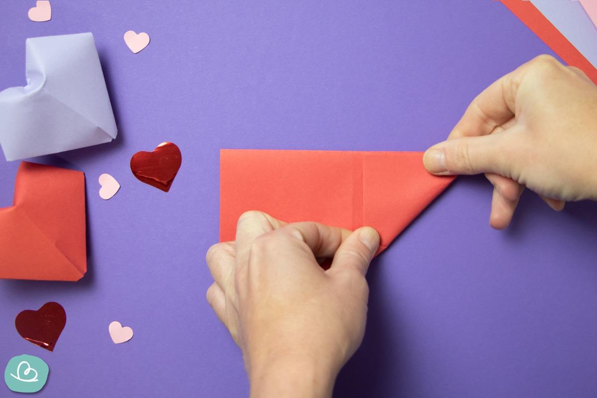 Herz aus Papier falten