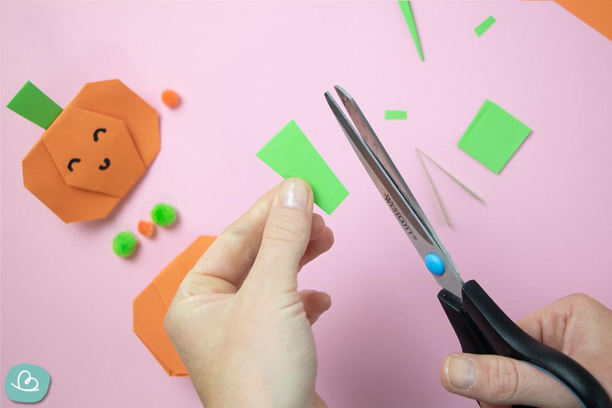 Papier schneiden für Halloween Deko