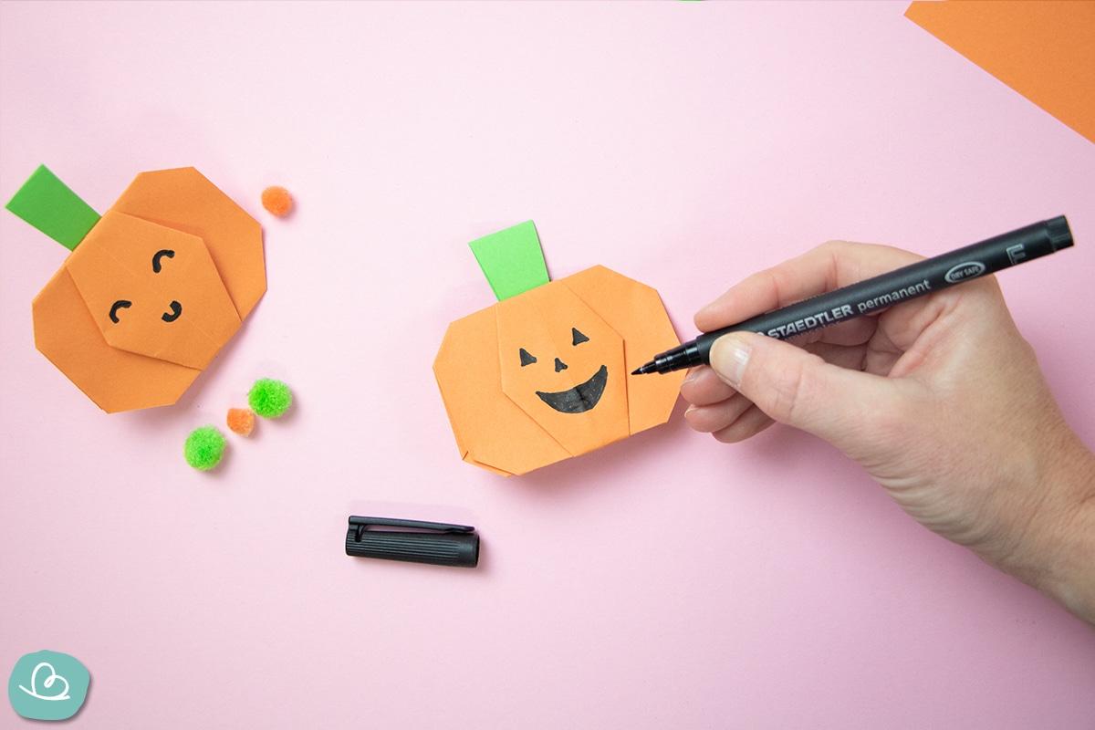 Origami Kürbis falten Halloween Deko