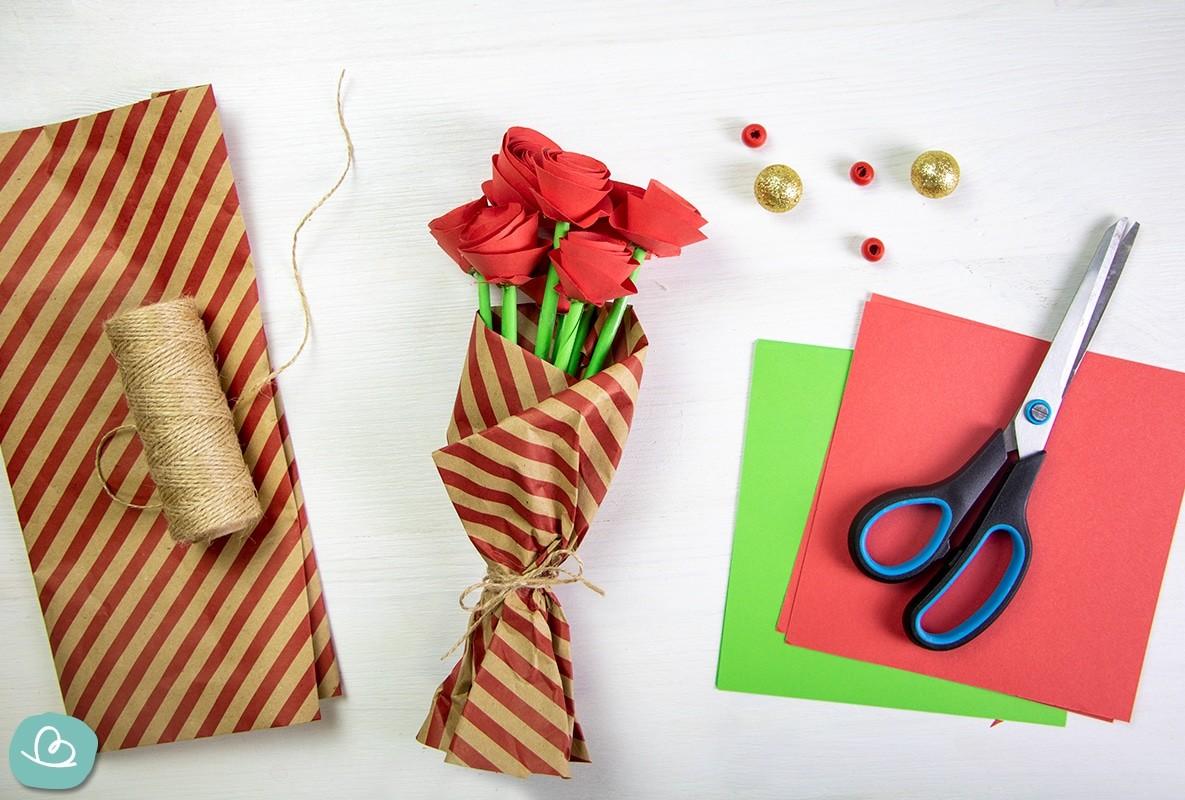 Origami Rose aus Papier falten