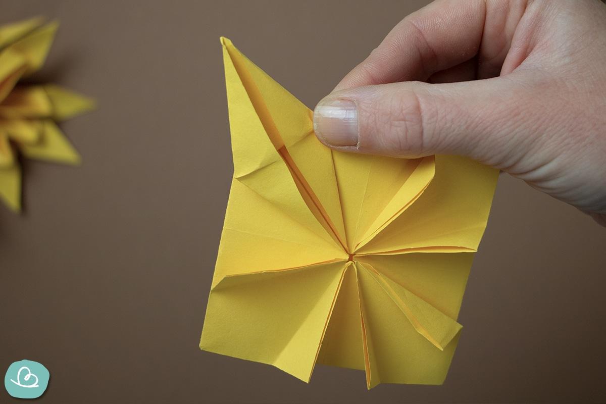 Faltanleitung Origami Sonnenblume