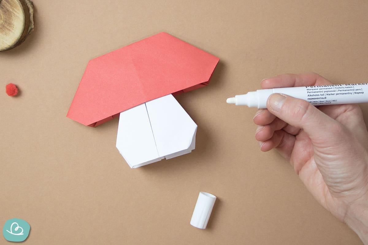 Fliegenpilz aus Papier einfache Bastelanleitung