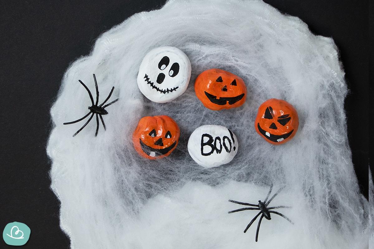 Halloween Dekoration aus Kastanien