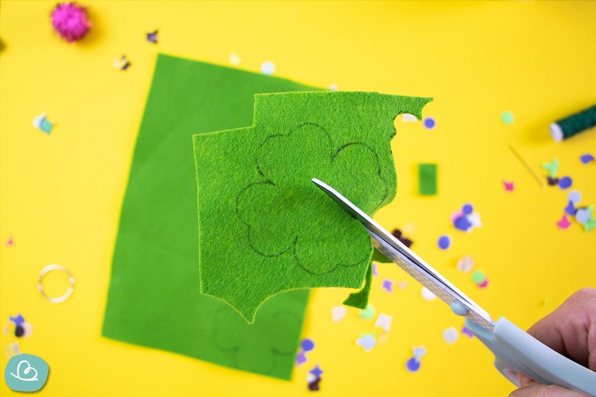 Kleeblatt auschneiden