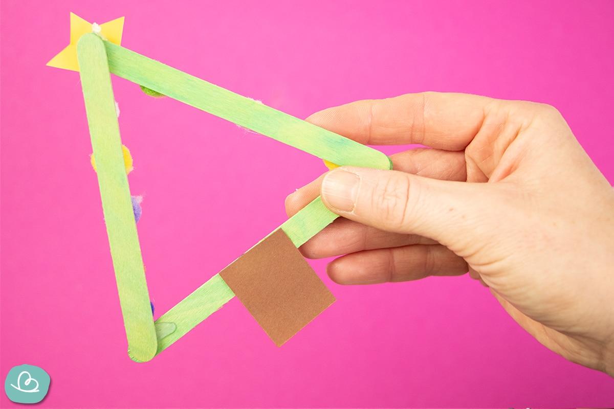 Baumstamm aus Papier