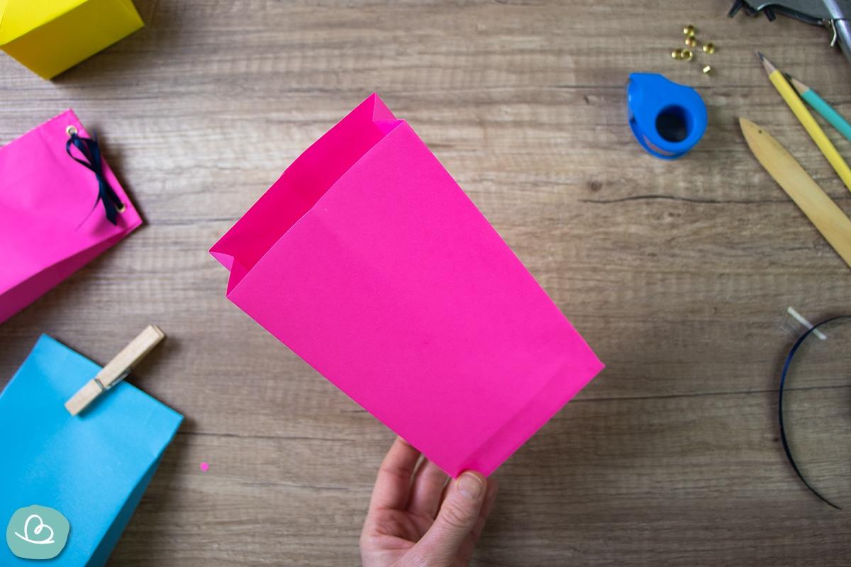 Tüte aus Tonpapier