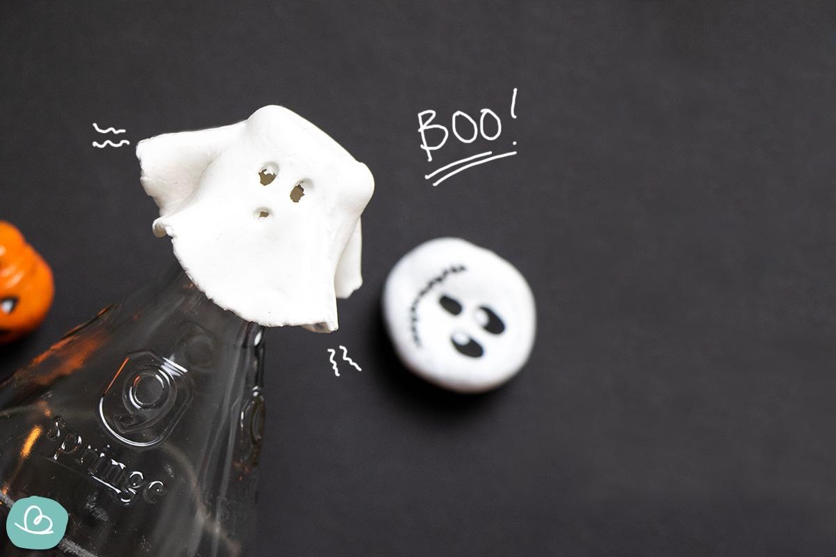 Weißes Gespenst macht Boo!