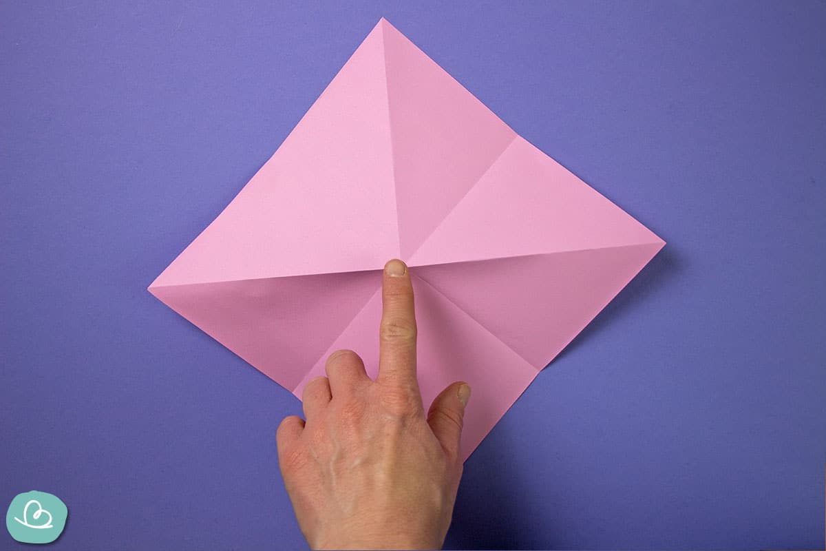 Mittelpunkt auf Origamipapier.