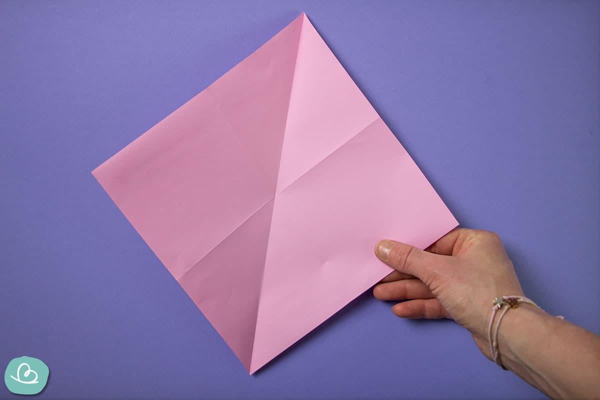 Papier mit Faltungen.