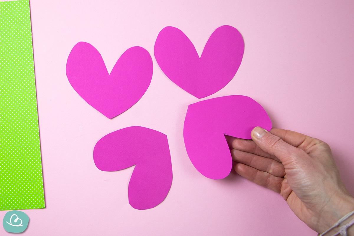 Herzen aus Papier.