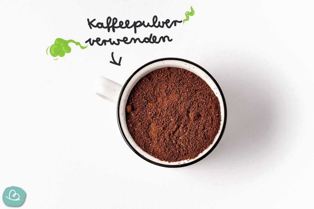Kaffeepulver gegen Kellergeruch.