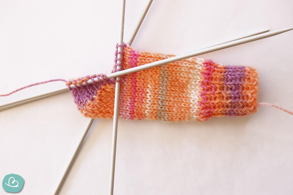 Ferse aus Wolle stricken.