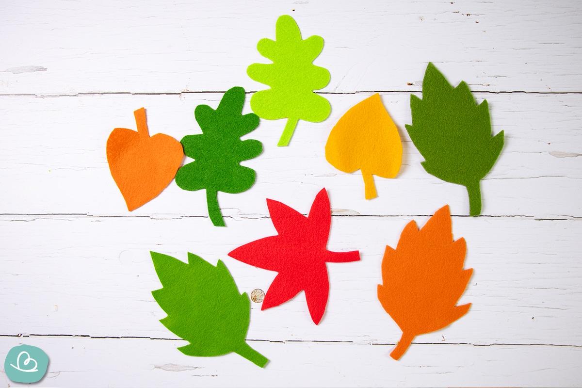 Blätter aus Filz.