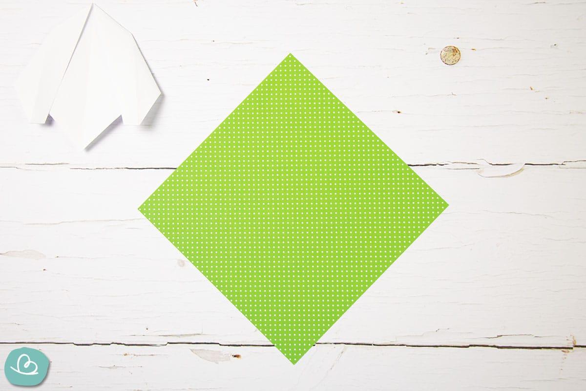 grünes Faltpapier