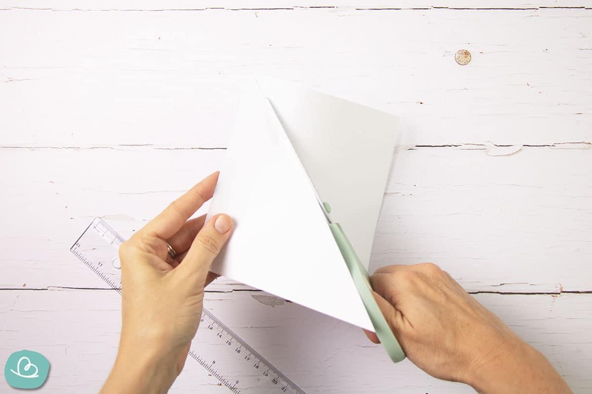 Origami Papier in der Mitte trennen
