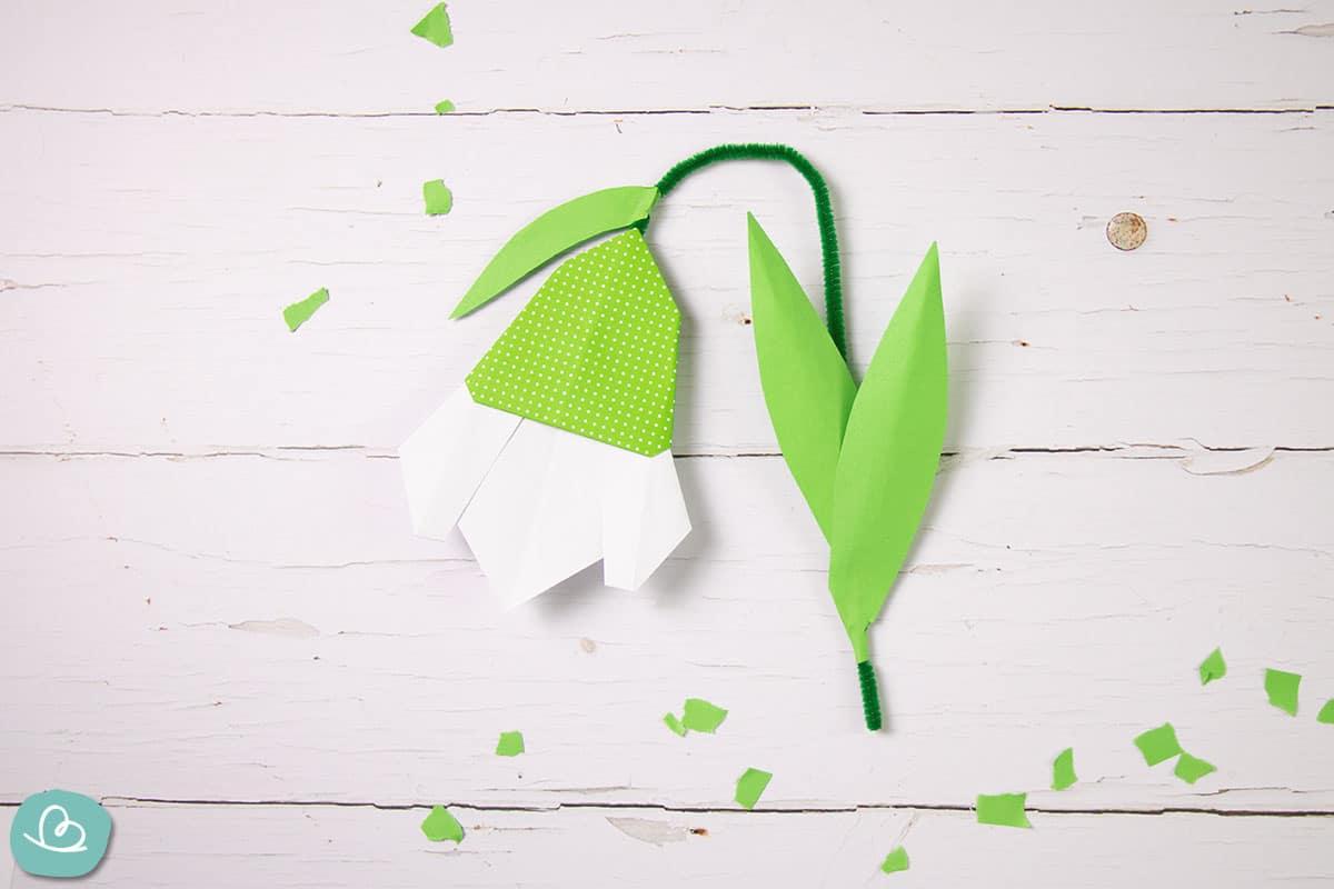 Schneeglöckchen aus Papier falten